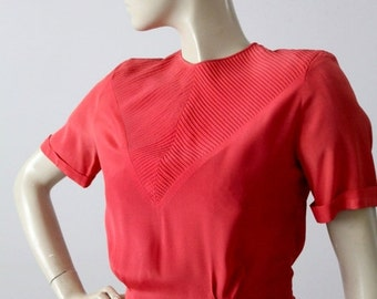 SALE 1940s blouse, vintage rose pink button back fitted top with deco pattern