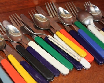 MIsmatched MIX and MATCH colorful Stainless Flatware Vintage old silverware replacement set wedding utensils cutlery plastic picnic BIN 29