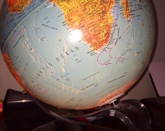 Scan hammond Globe Denmark 1972 Lighted Earth Globe lucite