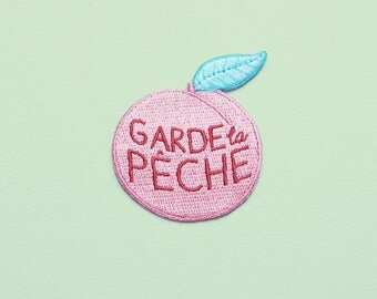 "Iron on patch ""Garde la pêche"" peach and green"