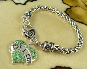 VET TECH Green color smooth glitter Heart Pendant with silver chain necklace