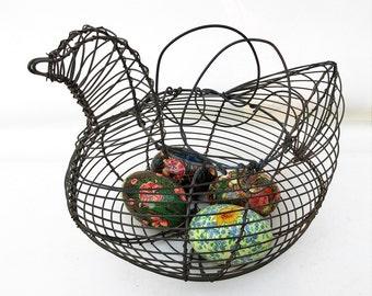 Vintage Egg Basket, Chicken Wire Basket, Wire Bird, Farmhouse Kitchen Decor, Rustic Bread Basket, Easter Eggs Basket