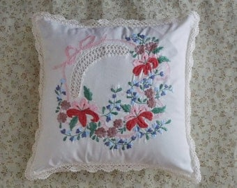 Vintage Decorative Pillow Cover - Floral pillow cover 16 inch - Boho Embroidered cushion cover- Ivory pillow Cover - Cotton Sofa pillow