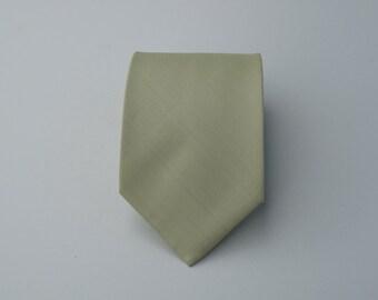 Green Wedding Mens tie, Pale Olive Green Tie, Silk tie, Wedding tie, Necktie for Men from Thailand, Groomsmen Neckties