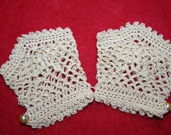 Hand Crocheted Doll Gloves- Ecru