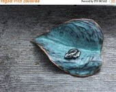 Spring Sale 10% Heart Leaf Sculpture with Tree Frog