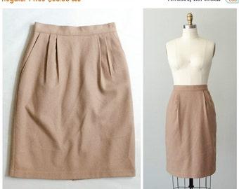 25% OFF SALE / vintage wool skirt / tan wool pencil skirt / size medium