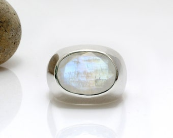 SALE - Rainbow moonstone ring,October birthstone ring,silver ring,silver thick ring,large statement ring,gemstone ring