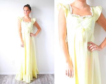 Vintage boho hippie yellow floral dress // maxi prairie dress // modest short sleeve dress // cap sleeve lace ruffle maxi dress floor length