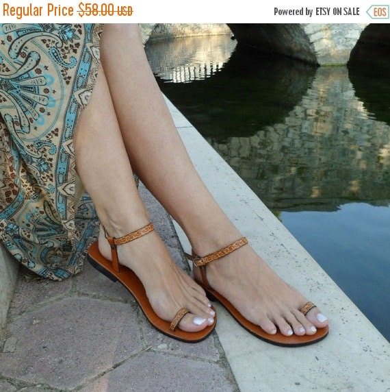 10 % off Lovely and Delicate Toe  Ring Ankle Strap With Design Barefoot Sandals - Dream With Pattern
