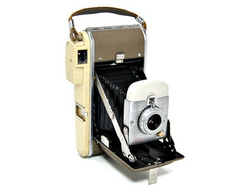 1959 Polaroid Land Camera Highlander Model 80B Henry Dreyfuss Industrial Design Iconic 50s Vintage Cameras Home Decor Expandable Bellows