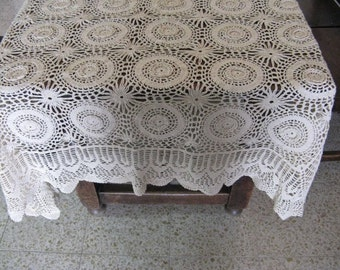 TREASURY ITEM Beautiful Antique Vintage Hand Crochet Irish Lace Tablecloth with 3D Rosettes