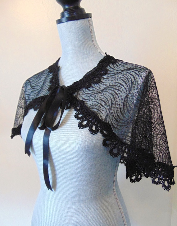 SALE Black Lace Bridal Capelet Shrug Cover Up Gothic Lace Black Cape Capelet Gothic, Black Lace Capelet, Black Lace Shrug BEWITCHING