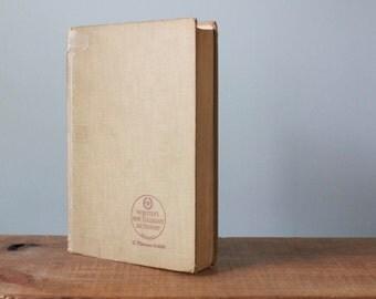 Vintage Webster's New Collegiate Dictionary Hardback Book A Merriam Webster