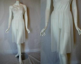 1950s Seamprufe White Sheer Slip, 36, Medium, Large, Perma Pleats