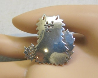 Vintage Sterling Silver Shaggy Cat and Kitten Brooch or Pin
