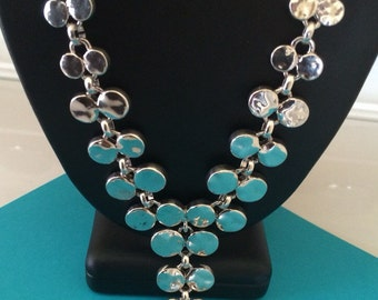 Beautiful Silver Disc V Statement Necklace