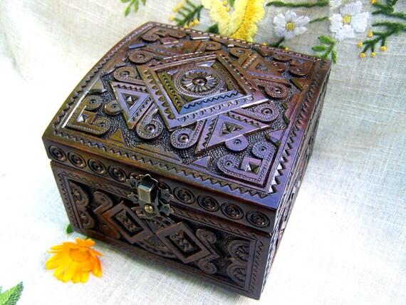 Jewelry box Wooden box Ring box Carved wood box boîte bijoux Jewellery box Jewelry boxes Wedding gifts schatulle wooden boxes Wood boxes B14