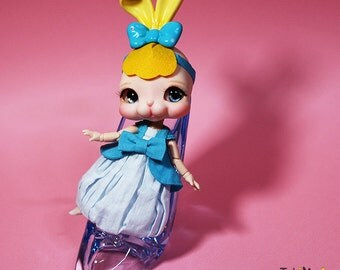 Tokissi rabbit doll / bunny / Blue  / Jewelry / Resin