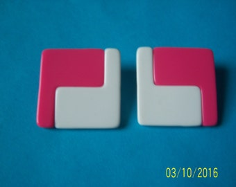 Pink And White Earrings - Lucite Earrings - Plastic Earrings -  MOD Earrings - Geometric Earrings - Color Block Earrings - Pierce Earrings