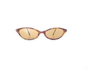 Vintage Oliver Peoples Cat Eye Sunglasses. Tortoise Shell. 90s Narrow Cat Eye Sunglasses