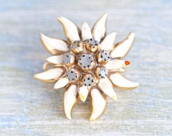 Edelweiss Lapel Pin - Vintage Alpine Flower Brooch