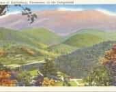 Gatlinburg, Tennessee - Linen Postcard - Unused (X)