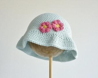Floppy sunhat - child -  2 - 5 years - soft organic cotton -  light blue with pink flowers - crochet cloche