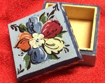 Norwegian Rosemaling-- Tiny Square Wooden Box