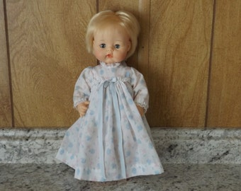 """Vintage Baby Doll """"Sweet Baby"""" by Madame Alexander / Original Outfit / 60's"""
