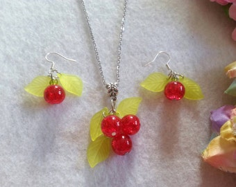 Pretty Apple Set of Necklace and Earrings
