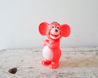 Vintage Plastic Mouse Toy - Pink Toy Farm Animal Squeeze Toy Squeaker Vintage Dog Toy Hong Kong