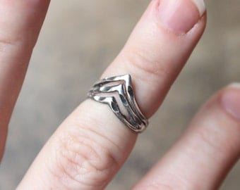 Sterling Silver Ring / Triad Crescent RING / Vintage Midi Ring / Minimalist Jewelry