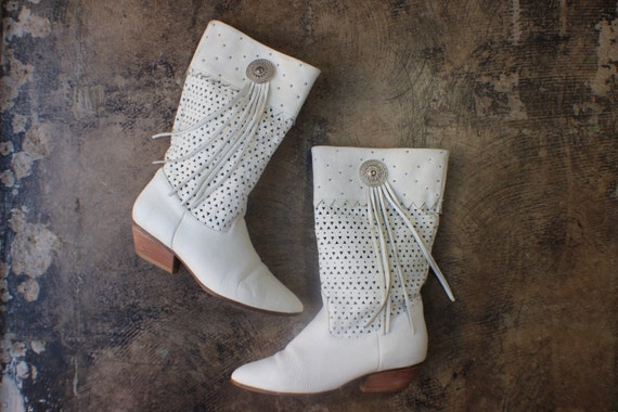 7 1/2 / White Tassel Boots / Leather Western Concho Boots / Vintage Women's Shoes