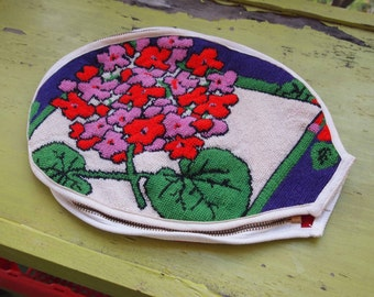 Vintage Racquet Cover, Embroidered Racquet Cover, Tennis Racquet Cover, Racquet Protector, Tennis Accessories, Vintage Sports Gear