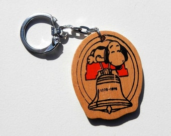 Vintage Snoopy Peanuts Bicentennial Keychain 1976