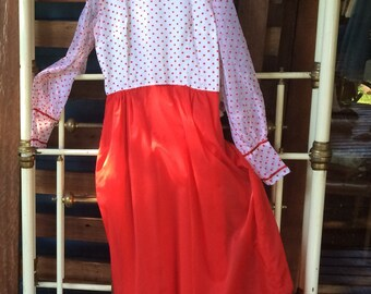 Vintage dress handmade in the 1960s. Size 10.