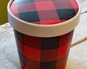 Large 16 oz. Red and Black Buffalo Plaid Ice Cream, Soup, Favor Cup with Lids - Set of 12