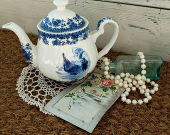 """Retro Delft Blue Rooster Teapot by William James """"Farm Life"""" 1990s White + Blue French Country Tea Maker, Teapot Collecting, On Sale, NO LID"""