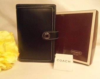 """MINT Vintage """"Coach""""  NEVER USED Black Leather Agenda Planner Organizer w/ Pen & Address Book w/ Gift Box- Birthday Gift Him Her Mom Mother"""