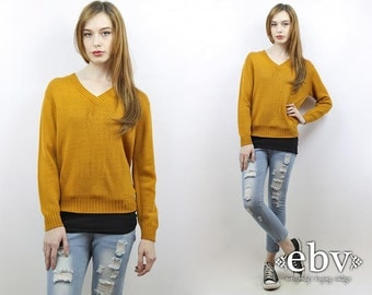 Vintage 70s Vneck Mustard Sweater S M Mustard Jumper Mustard Knit VNeck Sweater VNeck Pullover Mustard Pullover Hipster Sweater