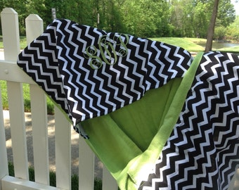 """Black and Green  """"dress up"""" for your beach/pool chair."""