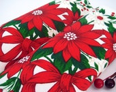 2 Vintage Christmas Napkins Poinsettias Bows Berries
