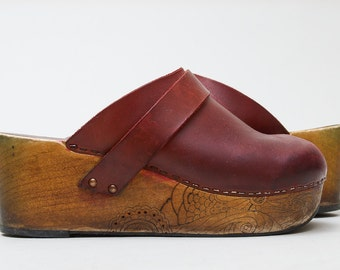 70s Platform Clog Burgundy Leather with Wood Soles Custom Hand Drawn Slip on Wooden Hippie Clogs size 40