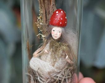 Mushroom Fairy Resting in enchanted bottle - Woodland Spirit - Miniatures sculpt hand made by Johana Molina