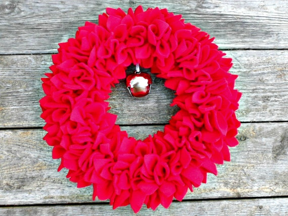 Red Wreath - Fleece Wreath - Door Wreath - Indoor Wreath - Christmas Wreath - Holiday Wreath - Rag Wreath - Winter Wreath - Bright Wreath