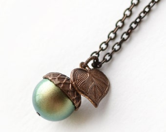 Pearl Acorn Necklace, Acorn Necklace, Leaf Charm Necklace, Leaf Acorn Necklace, Green Acorn Necklace, Woodland Necklace, Acorn Jewelry