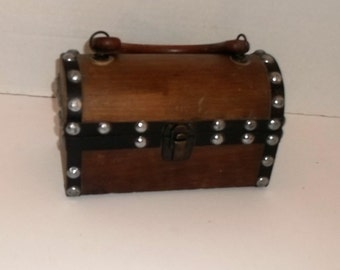 Vintage Wooden Studded Lunch Pail Style Retro Handbag Purse made by Encore