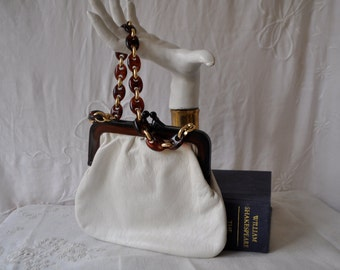 Mod White Walborg Pouch Purse/Vintage 1950s/Faux Leather Handbag/Faux Tortoiseshell Frame and Chain/Made in Italy