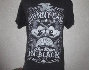 vintage t-shirt Johnny cash the man in black color black size medium
